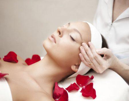 Gesichtsbehandlungen DA Kosmetik in Graben